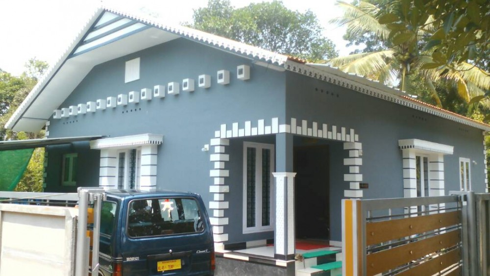 8 5 cent 3bhk house for sale at thattampady aluva for House in 2 cent